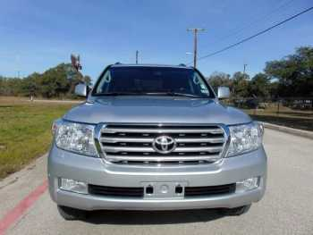 FOR SALE A FAIRLY USED 2011 TOYOTA LAND CRUISER
